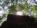 Z jistého pohledu může balvan pod Barborkou vypadat jako stolová hora.