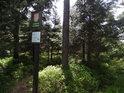 Úřední a informační cedule k chráněnému území Jelení lázeň.