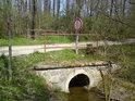 Mostík na severu chráněného území.