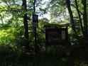 Úřední a informační cedule k chráněnému území Bažantula.