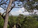 Výhled směrem jihovýchodním z vrcholu Břestecké skály.