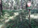 Úřední cedule vymezuje chráněné území.