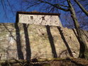 Hrad Litice nad Orlicí založili koncem 13. století Drslavici, pro nás je nyní podstatná ta informace, že leží uprostřed přírodní památky.