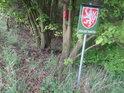 Úřední cedule na východním cípu chráněného území Hrubá louka.