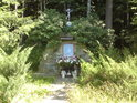 I.N.R.I. Ježíš Nazaretský král židovský, tento křížek najdeme u cesty přes Kolébky.