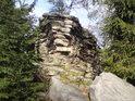 Menší skalní vrcholek pod Malinskou skálou.