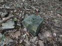 Kamenný mezník poblíž vrcholu Mniší hory.