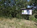 Úřední a informační cedule k chráněnému území.