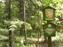 Příchod do chráněného území od severu po naučné stezce Pasák.