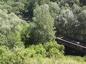 Železniční most přes Výrovku pohledem shora