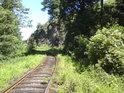 Jižní spodní vstup do rezervace lze pouze podle trati.