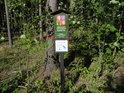 Úřední a informační cedule v jihovýchodním cípu chráněného území.