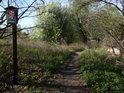 Úřední cedule na východním okraji chráněného území.