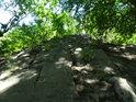 Zdá se, že takto byla skála v minulosti opracována kvůli přístupu na hrad Bezděz.