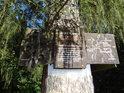 Turistická cedule pod Velkým Blaníkem společná i pro Malý Blaník, byla stvořena v duchu Blanických rytířů.